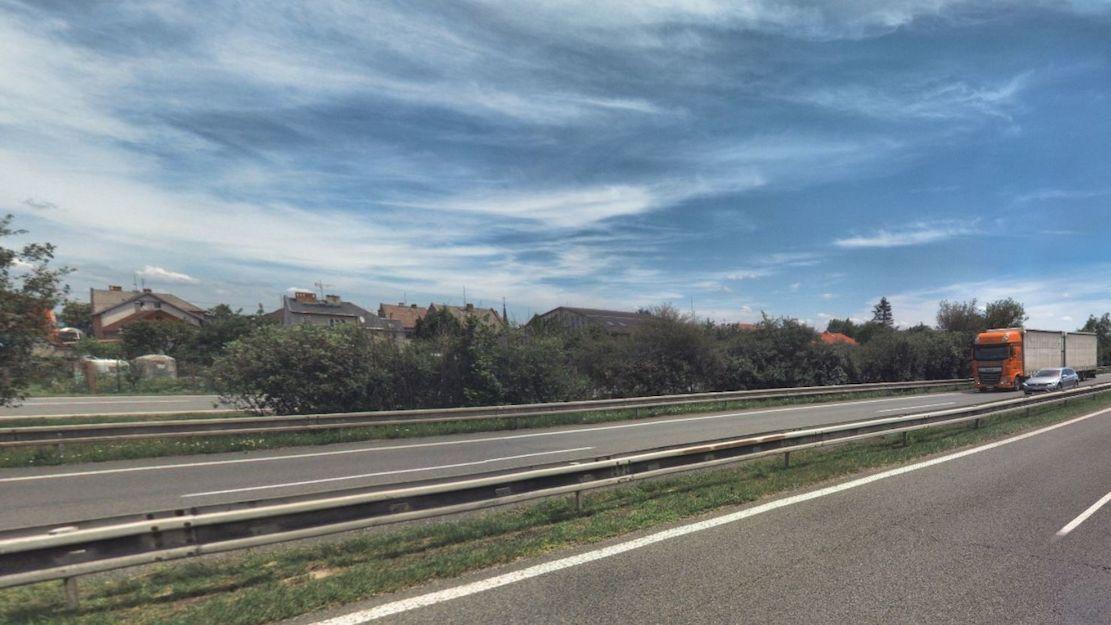 Na dálnici u Olomouce zemřel chodec