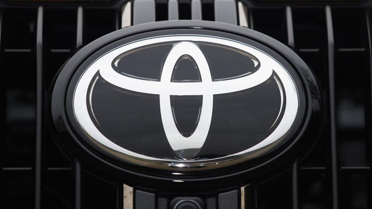 Elektromobily jsou přeceňované, říká šéf Toyoty