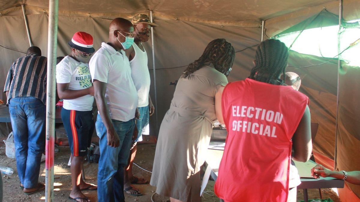 Adolf Hitler Uunona vyhrál volby v Namibii