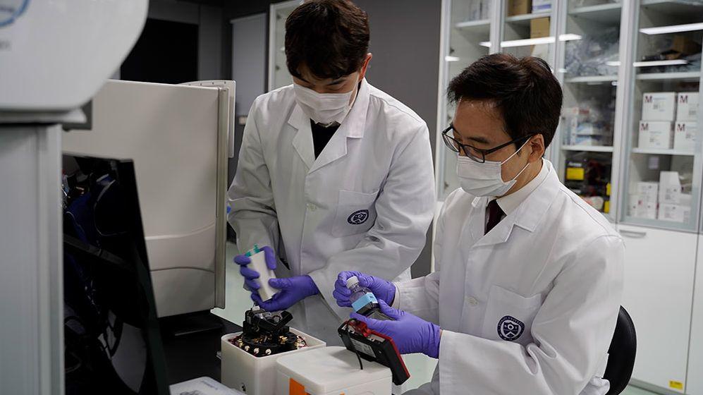 V Koreji vyvinuli přenosné zařízení na PCR testy