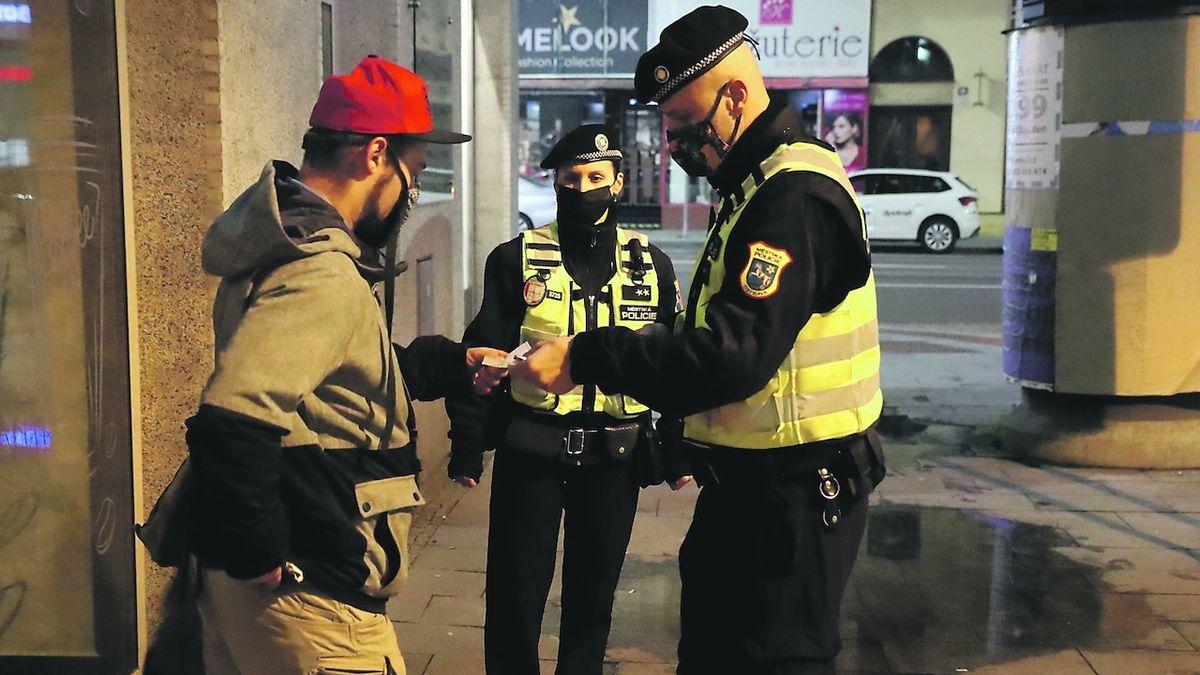 Roste zájem o práci u policie. Za covidu v ní lidé vidí jistotu