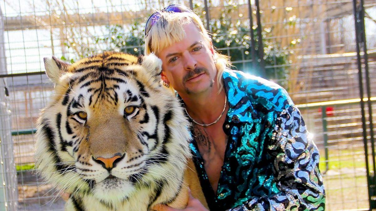 Excentrický pán tygrů se přepočítal, Trump ho nechal za mřížemi