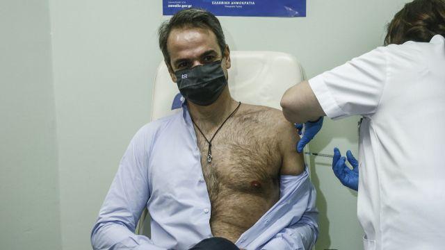 Řekyně okouzlil premiér při vakcinaci