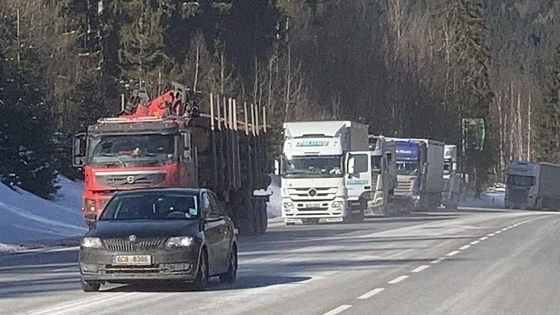 Ztráty dopravců z kolon do Německa jdou do stovek milionů