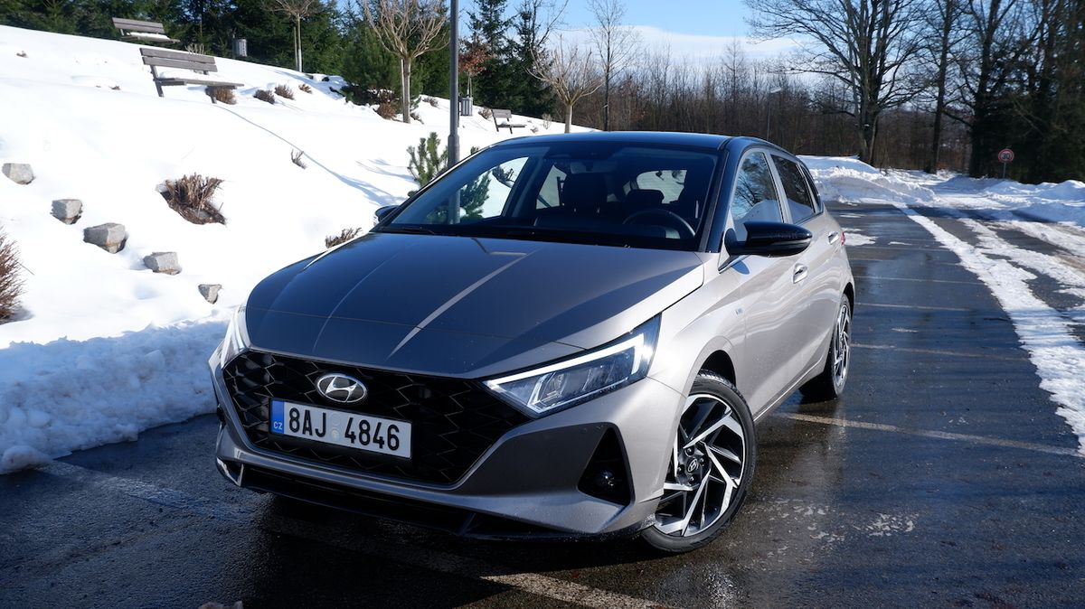 Test Hyundai i20 1,0 T-GDI MHEV: Upoutá a nezklame