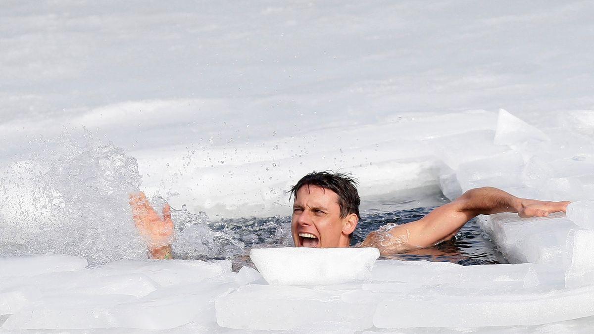 Český freediver je rekordmanem v plavání pod ledem