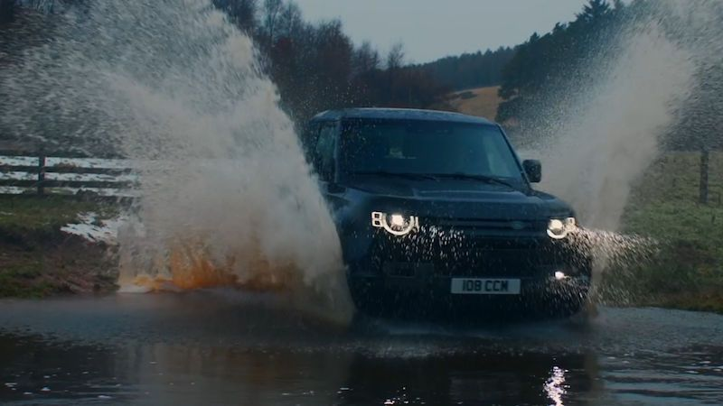 Nový Land Rover Defender dostal osmiválcový motor