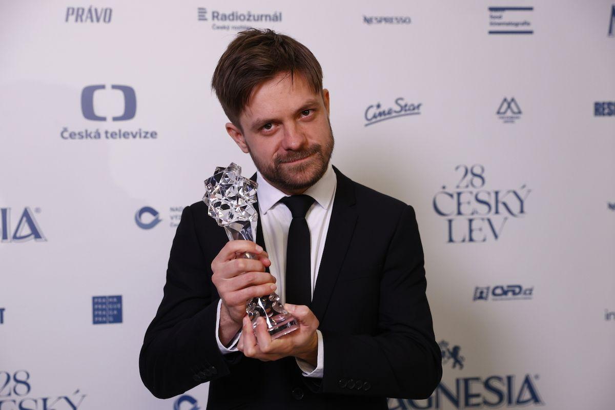 Jiří Mádl získal Českého lva v kategorie nejlepší herec ve vedlejší roli, a to za snímek Modelář.