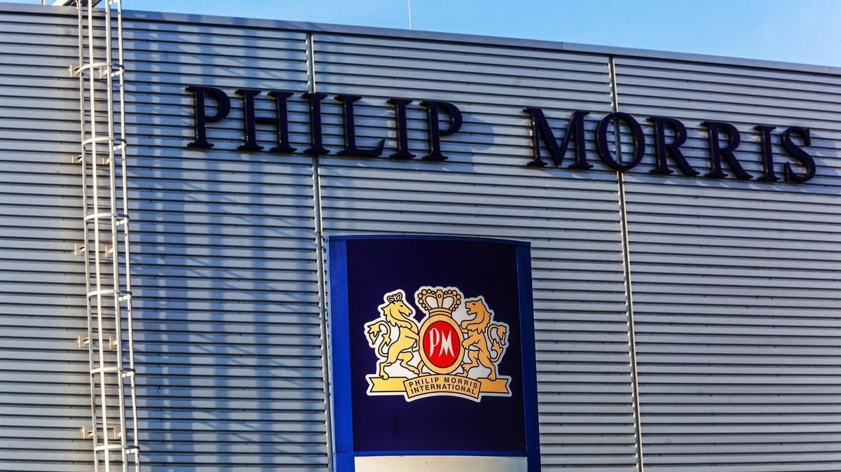 Kutnohorskému Philipu Morrisovi loni klesl zisk na 3,5 miliardy