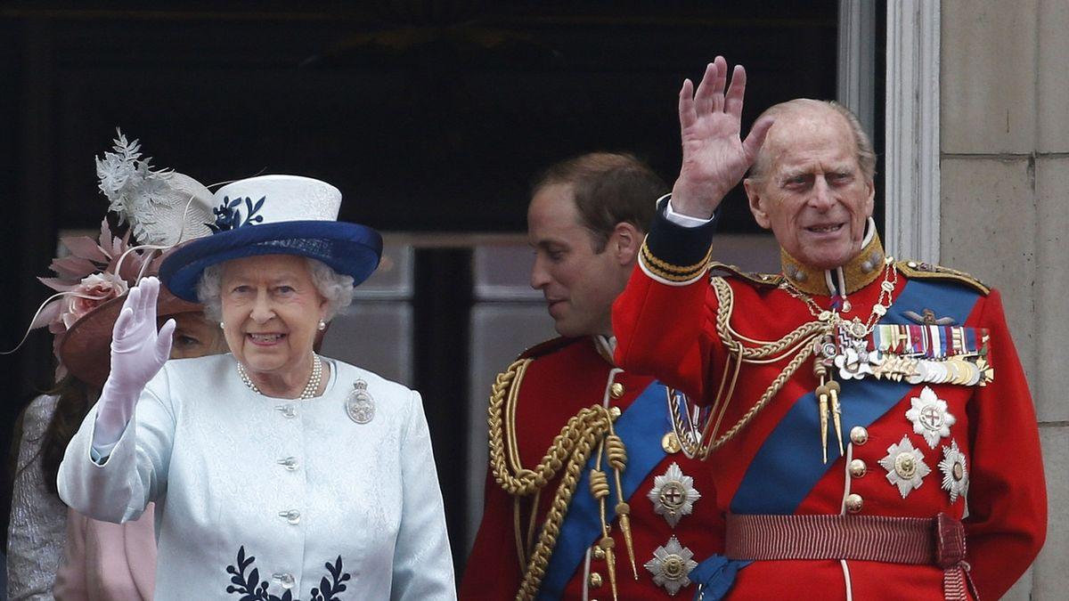 Královna odmítla převézt umírajícího Philipa do nemocnice. Byla s ním do poslední chvíle