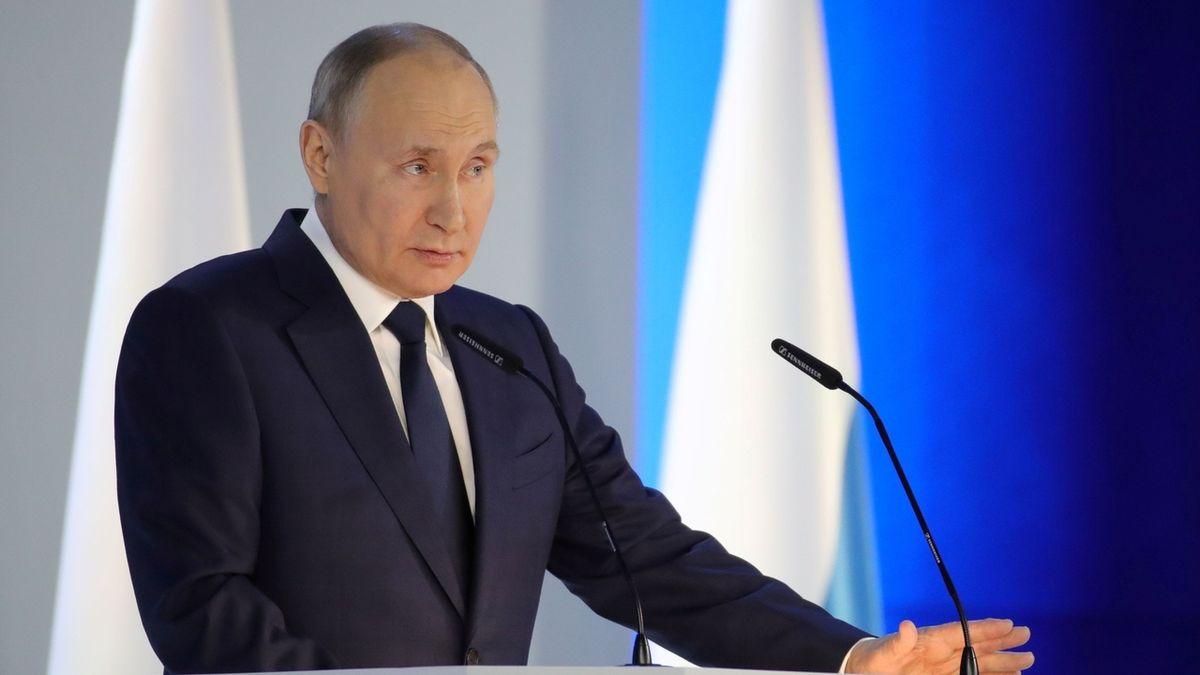 Většina Čechů vnímá Rusko jako hrozbu, ukázal průzkum