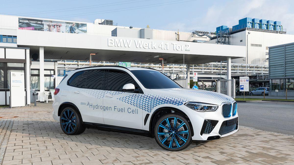 BMW nabídne SUV X5 na vodík. Dorazí za rok
