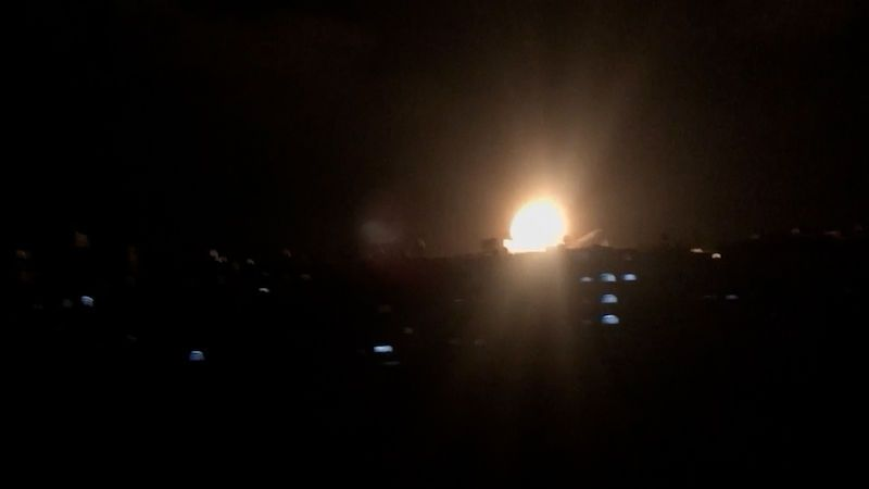 Izrael bombardoval podzemní tunely Hamásu. Zaútočil i na dům vojenského šéfa