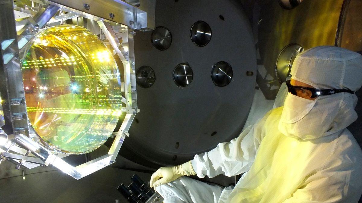 Vědci detekovali během deseti dnů dvě srážky černých děr s neutronovými hvězdami