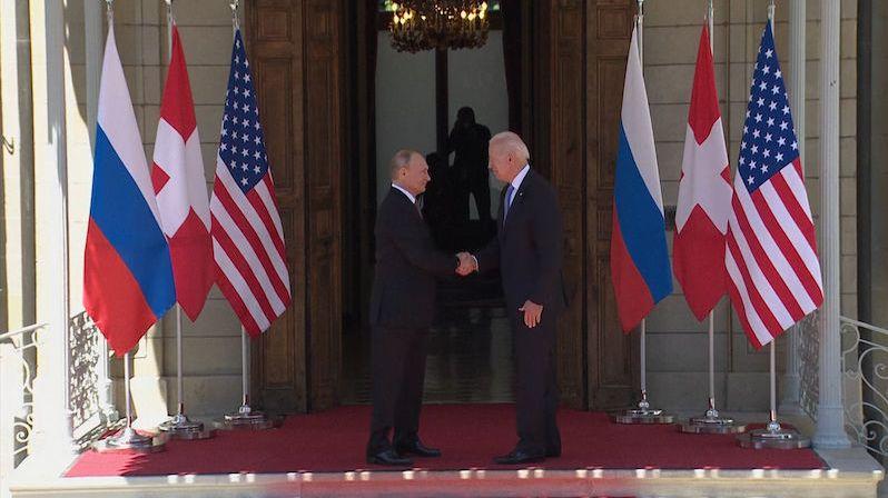 Biden v Ženevě jedná s Putinem. Na stole je i dohoda o jaderných zbraních