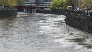 Pršet bude dál, meteorologové varují před povodněmi
