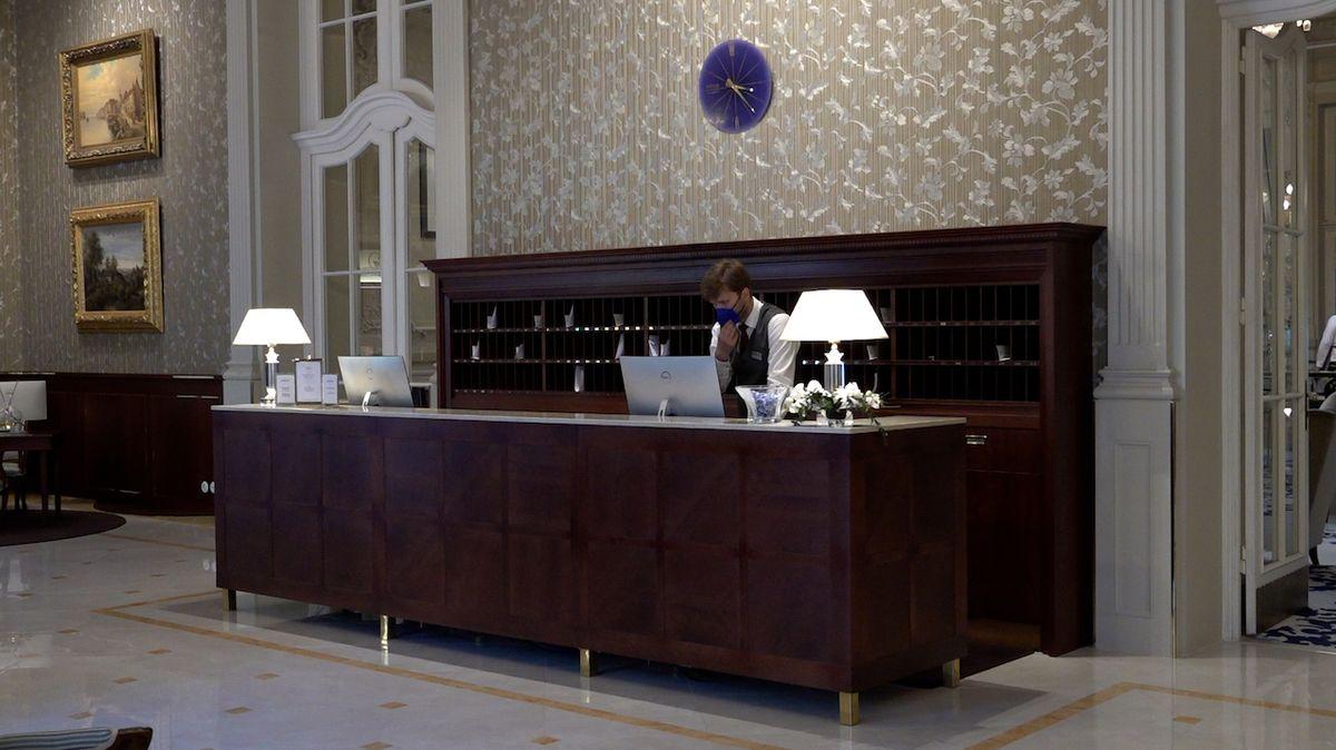 Hotely v regionech zdražily, pražské šly naopak s cenami dolů