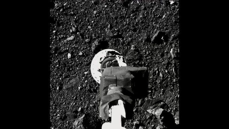 Sonda OSIRIS-REx letí se vzorky z planetky Bennu zpět k Zemi