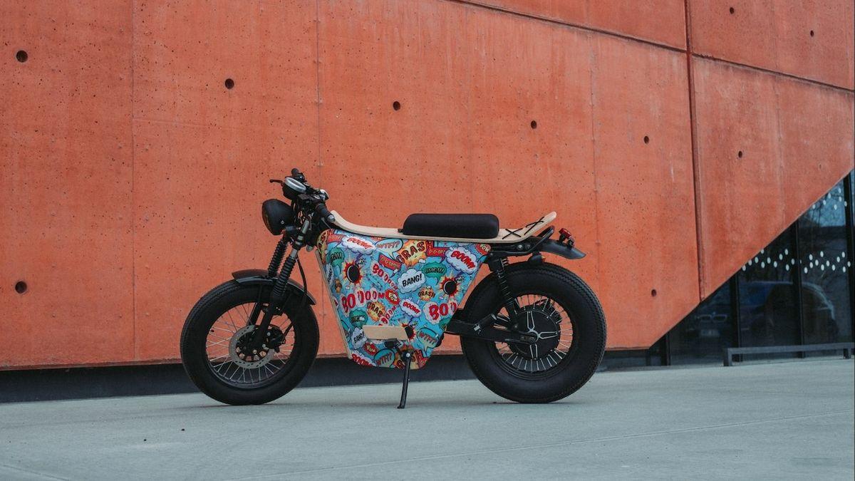 Studenti z Plzně představili elektrický motocykl