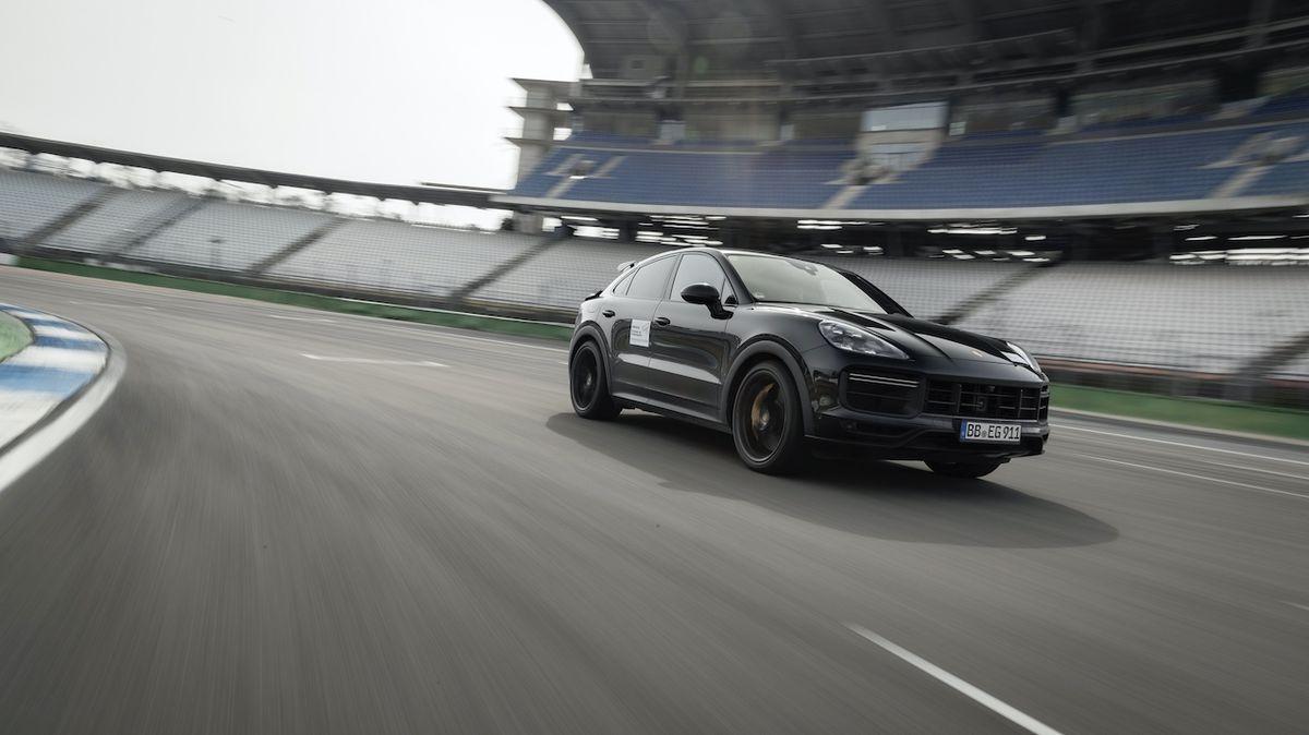 Porsche chystá nejsilnější cayenne v historii, vyzve Lamborghini Urus