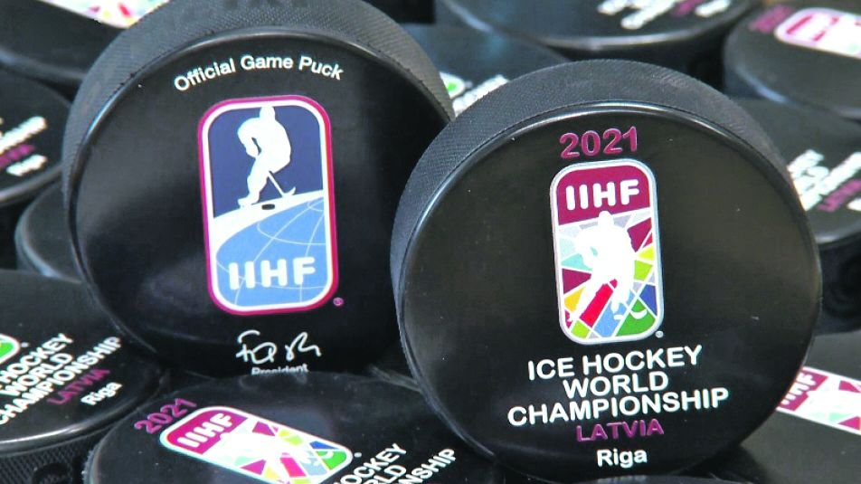 Mistrovství světa se už 21 let hraje s českými puky