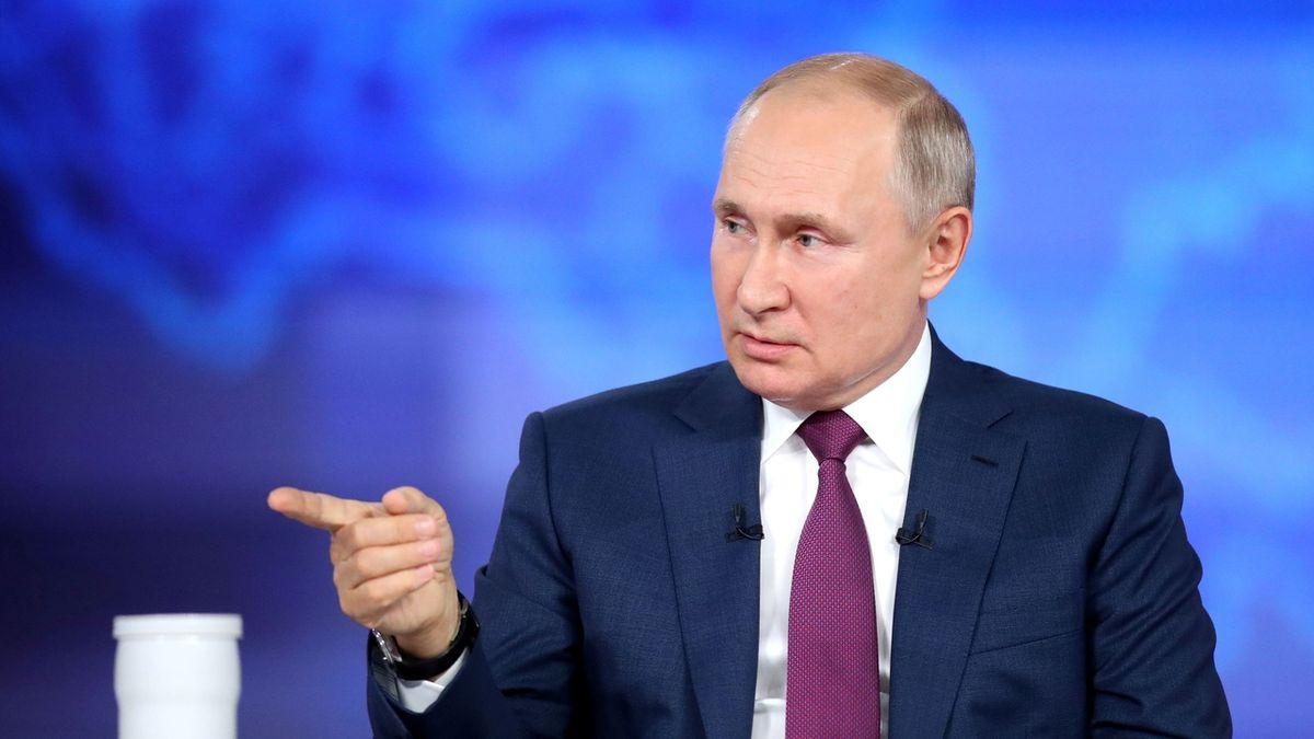 Putin uvedl, že dostal dvě dávky Sputniku V. Doposud vakcínu tajil