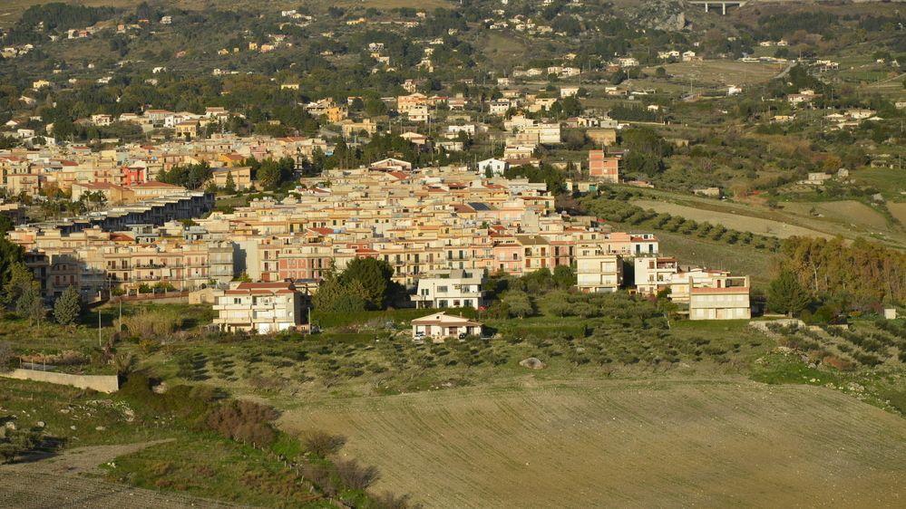 V sicilské obci zdražili. Domy tam teď prodávají za dvě eura