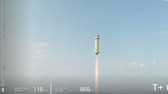Miliardář Bezos dobyl hranici vesmíru