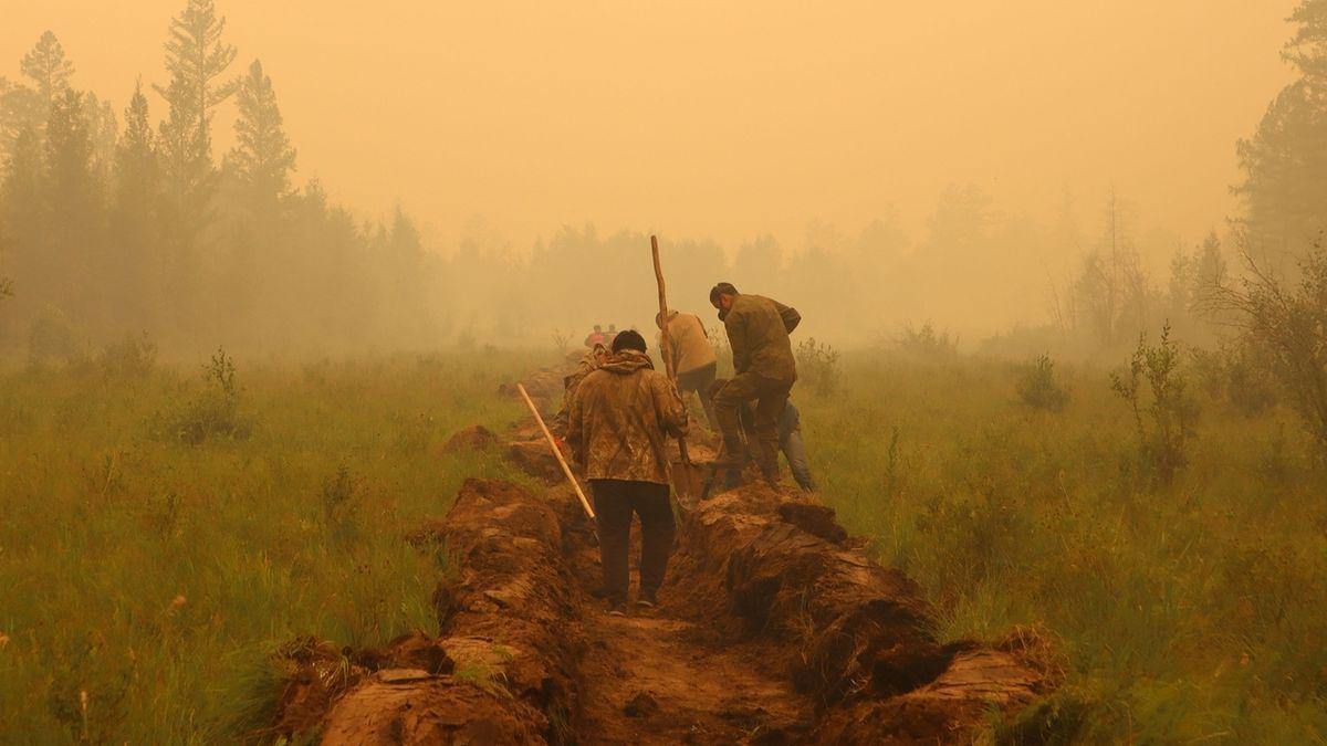 Kvůli dýmu z požárů na Sibiři zastavili provoz letiště
