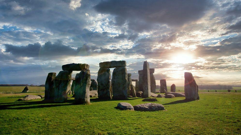 Zaplnit díry a praskliny. Stonehenge podstupuje velkou renovaci