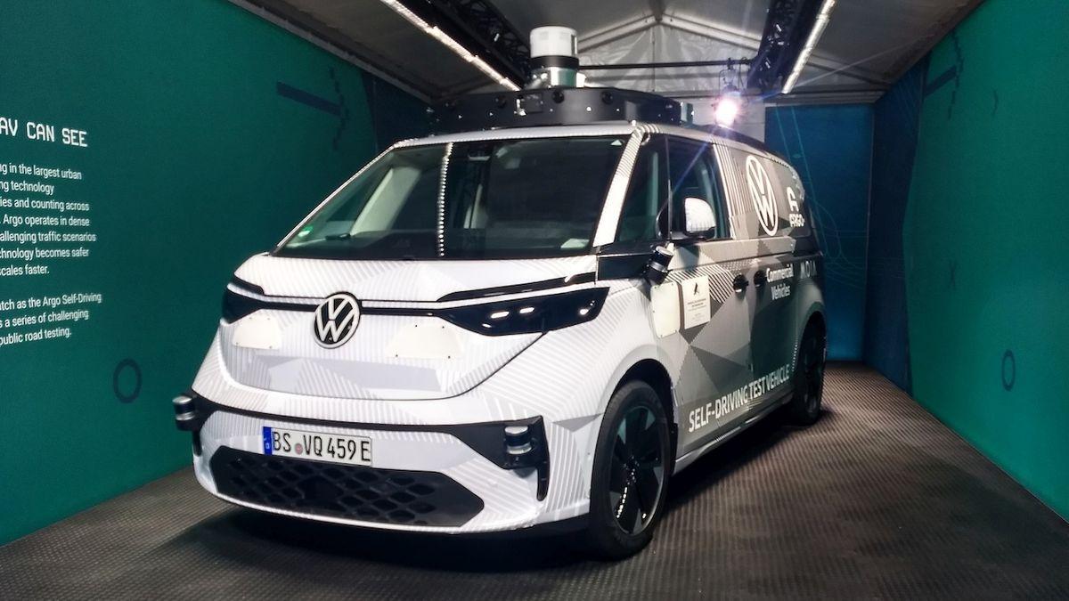 Mnichovský autosalon odstartoval. Koncernový večer VW se věnoval autonomní jízdě