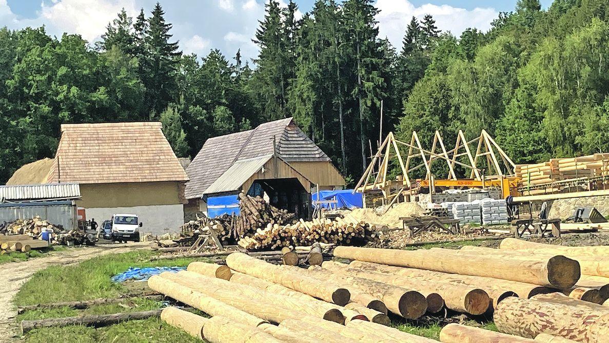 V Trocnově vyrůstá unikátní středověká vesnice