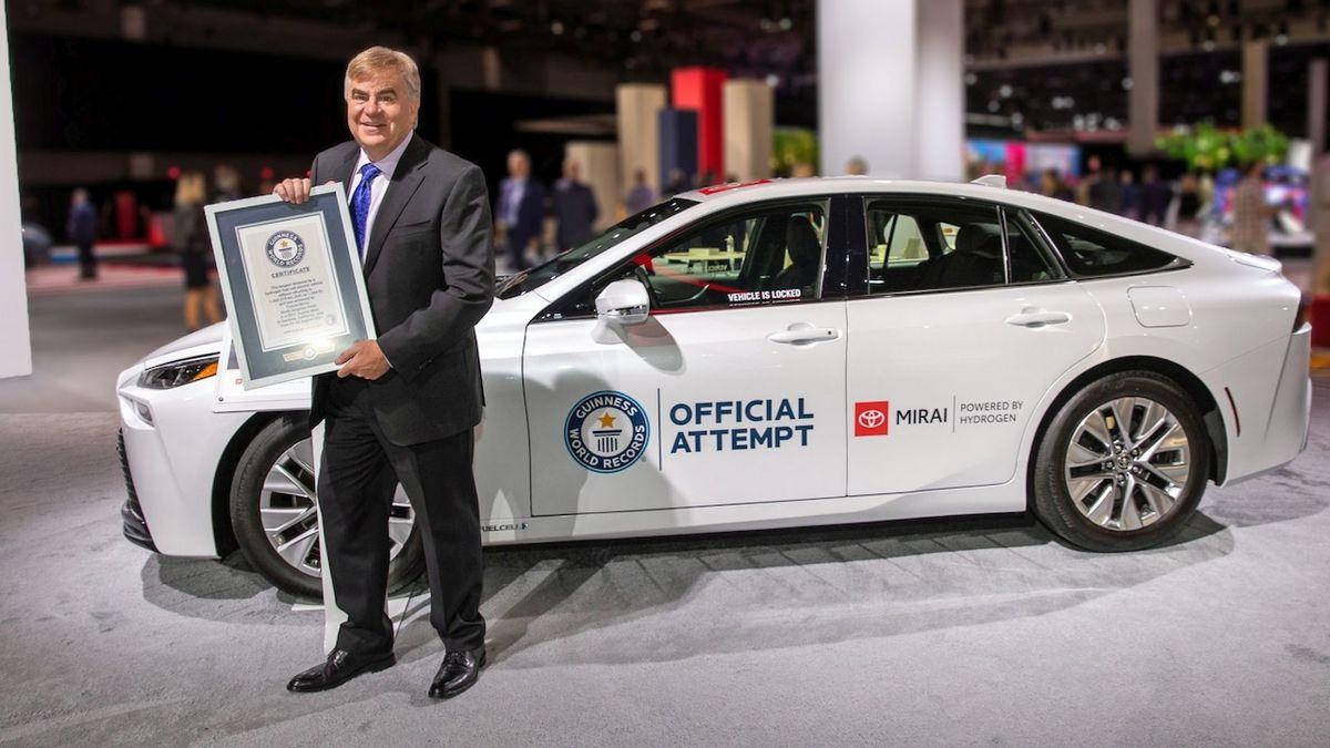 Vodíková Toyota Mirai vylepšila vlastní rekordní dojezd