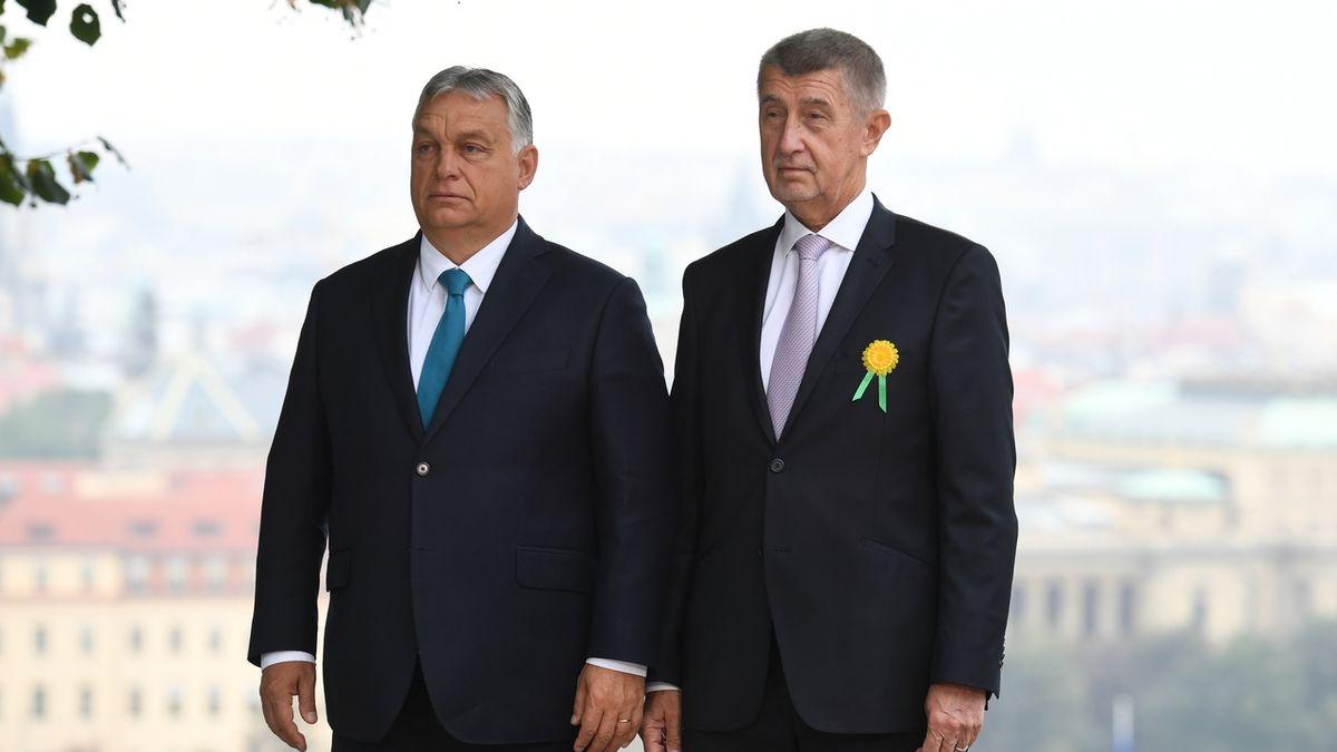 Méně Orbána, více Havla. Nová vláda se nechce upínat k Visegradu
