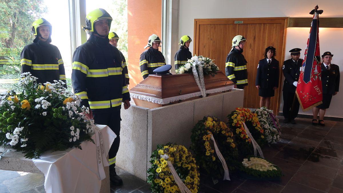 Koryčanští hasiči se rozloučili se svým zesnulým velitelem
