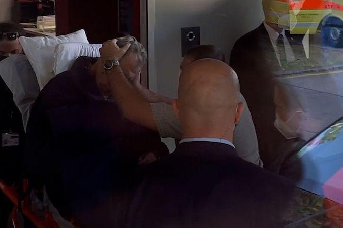 Prezidenta Zemana převezli do nemocnice