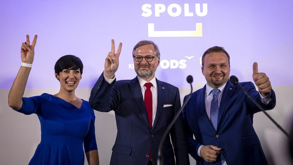 Zástupci koalice SPOLU (ODS, TOP09, KDU-ČSL) Markéta Pekarová Adamová, Petr Fiala a Marian Jurečka
