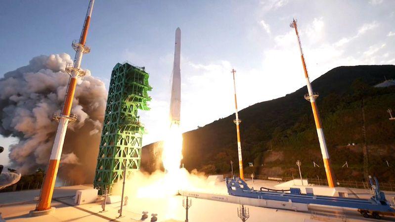 Jižní Korea vyslala do kosmu první vlastní raketu. Umístění makety družice na orbitu nevyšlo