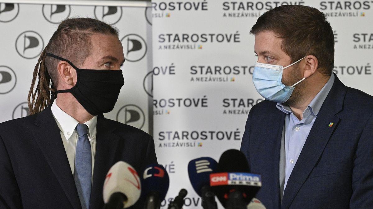 Koalici Pirátů a STAN povede do voleb Bartoš