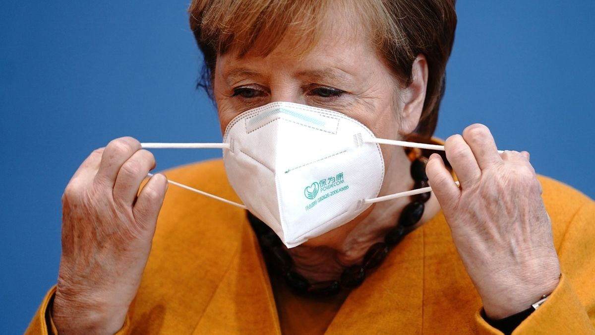 Na injekci půjdu, až budu na řadě, ujistila Merkelová