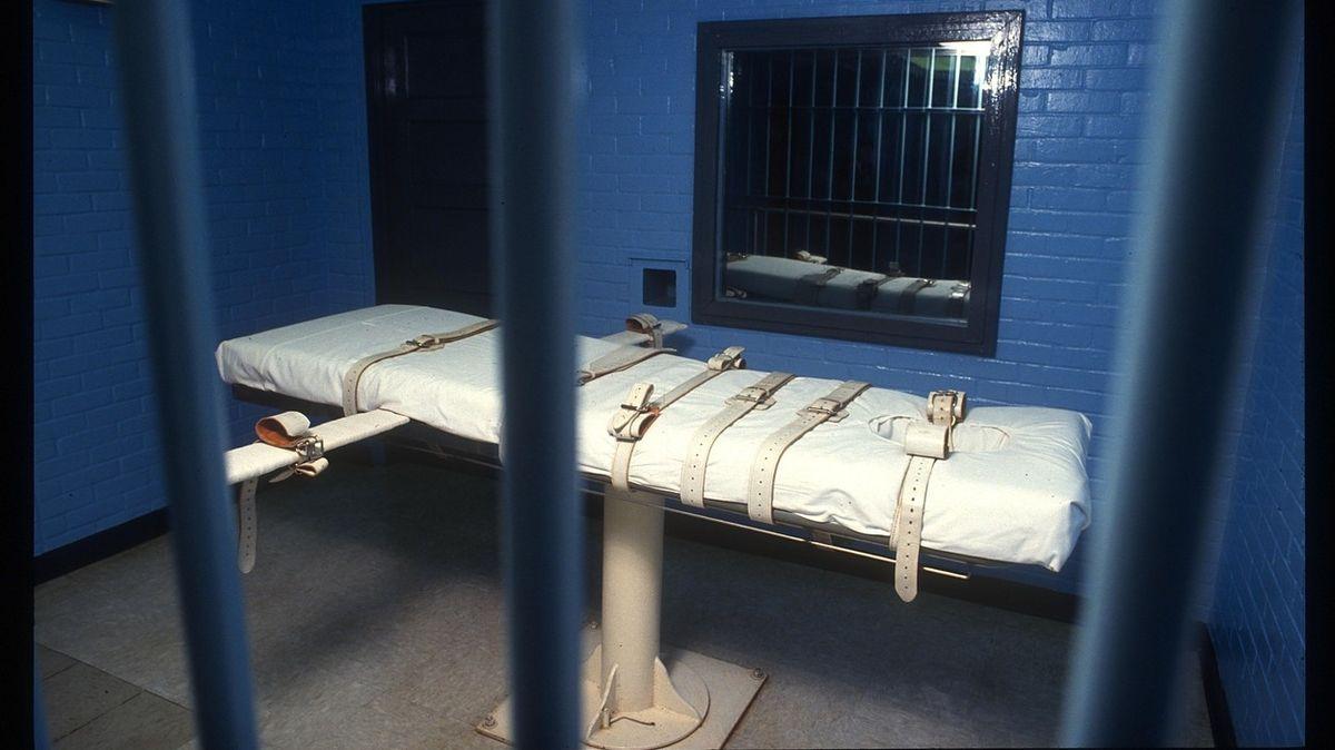 V USA odložili dvě popravy, odsouzenci se mají nejdřív uzdravit z covidu