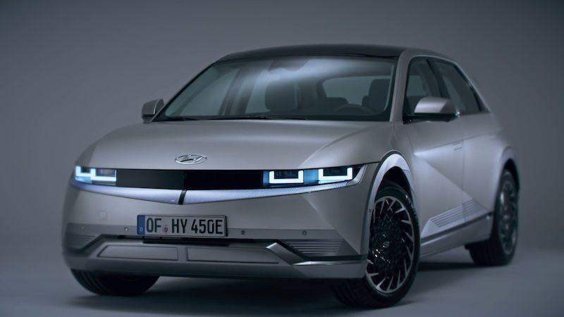 Hyundai představuje Ioniq 5, hranatý hatchback s rychlým dobíjením