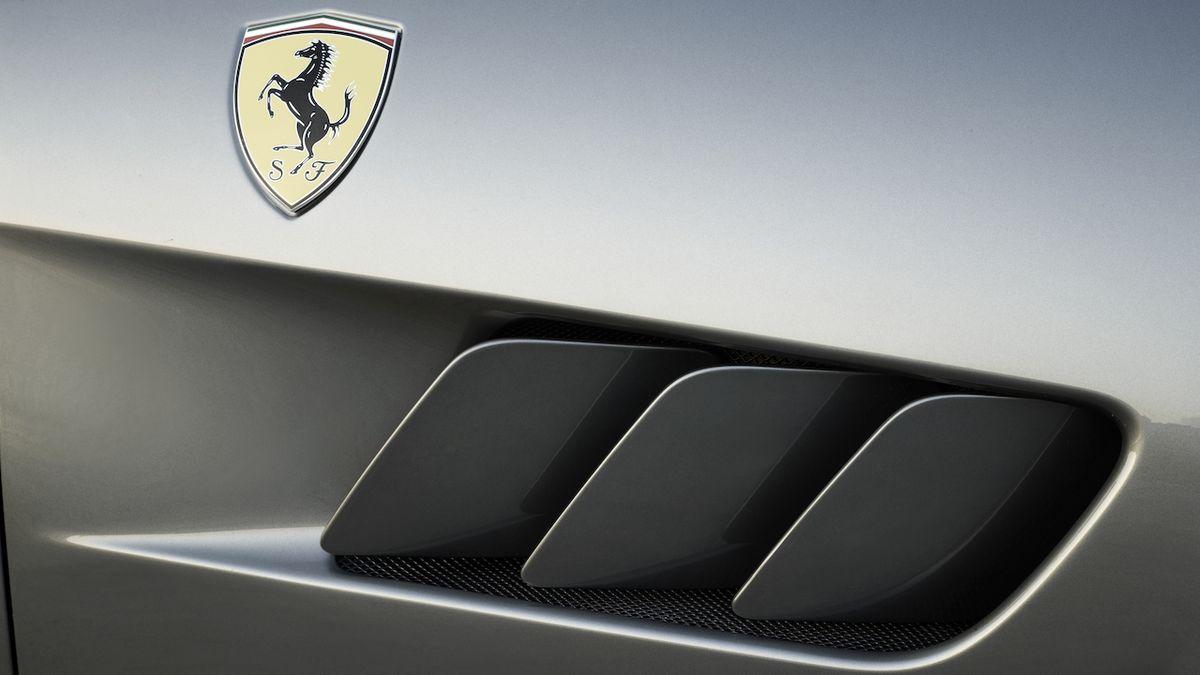 SUV Ferrari má duchovního předchůdce. Jediné auto na světě je na prodej