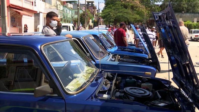 Kubánský Lada klub oslavuje sovětská auta, přestože jsou z nouze ctností