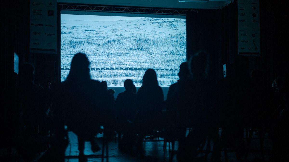 Famufest uvede oceněné filmy i zahraniční tvorbu, vítězné snímky promítne v autokině