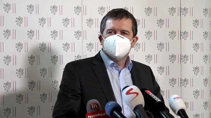 Hamáček chce trvalé zeštíhlení ruské ambasády v Praze