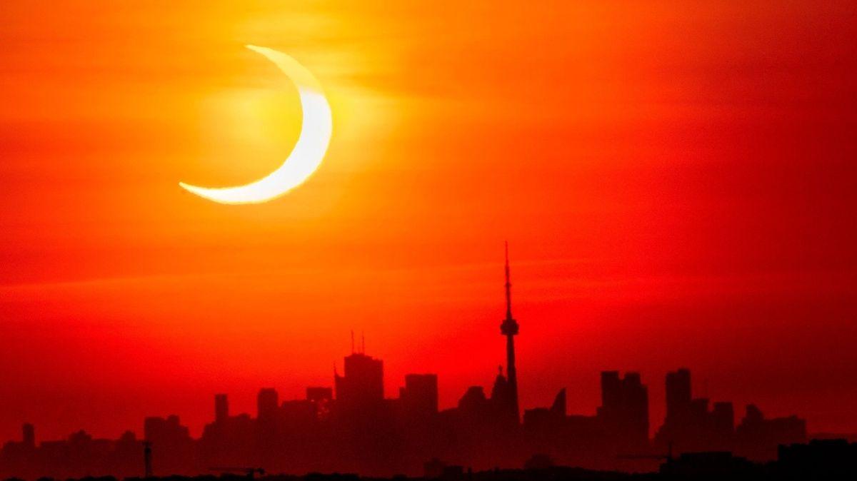 FOTO: Zatmění Slunce obdivovali lidé po celém světě