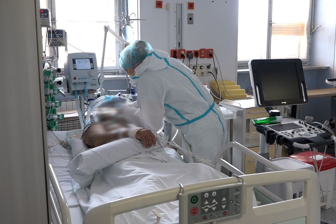mezinárodní den zdravotních sestřiček sestřička nemocnice VFN fakultní Praha covid oddělení