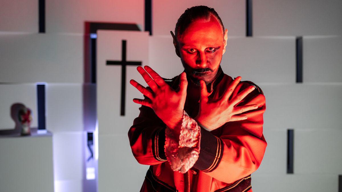 Diváky léčilo třináct divadelních souborů