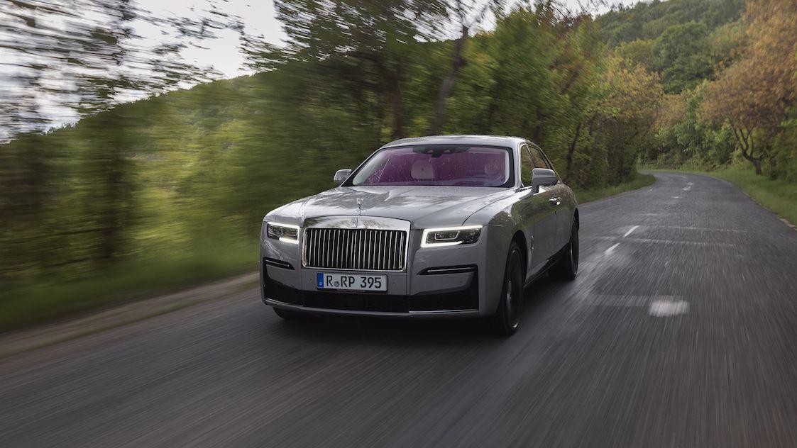 Za volantem nového Rolls-Royce Ghost: Méně je více